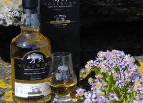 Bottle-of-Wolfburn-Whisky