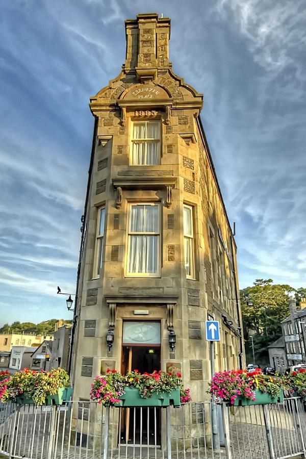 Mackays Hotel on the shortest street